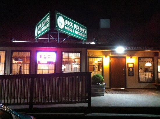 Buck Meadows Restaurant and Bar : L entrée