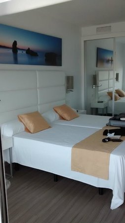 AxelBeach Ibiza: Habitación