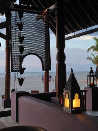 Four Seasons Resort Langkawi, Malaysia: The Rhu Bar - great sunset views