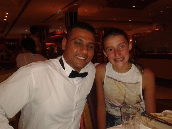 Reef Oasis Blue Bay Resort : lovely helpful waiters