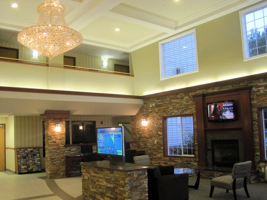 Best Western Plus Vancouver Mall Drive Hotel and Suites: Lobby