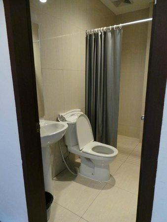 Arianz Hotel: bathroom