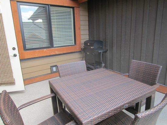 Solara Resort & Spa - Bellstar Hotels & Resorts: patio with a grill