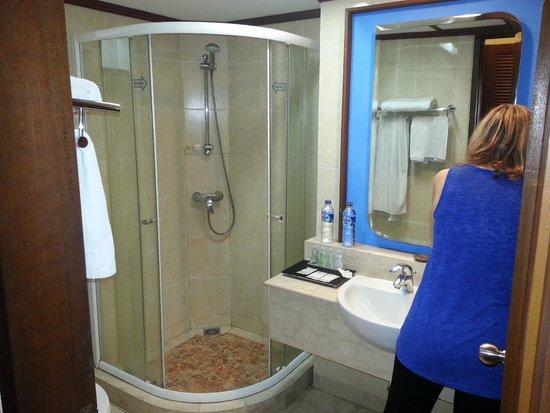 Kila Senggigi Beach Lombok: Villa Room Bathroom area