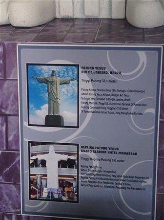 Grand Clarion Hotel & Convention Makassar: Catatan/ note dari Replika patung Kristus