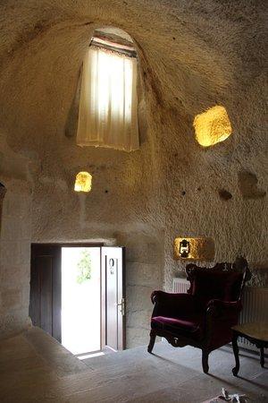 Village Cave House Hotel: Дверь