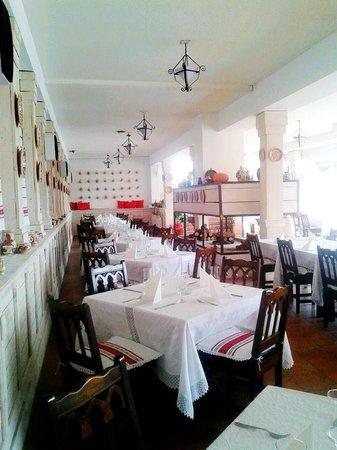 Han Paprika Tureni: Romanian cuisine