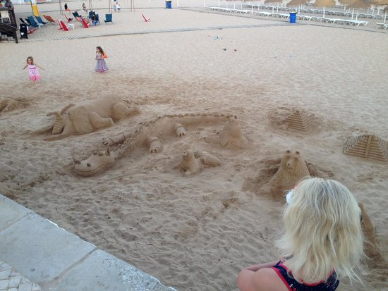 Hotel Belavista da Luz: Few things I made from sand one night down Luz beach for the kids