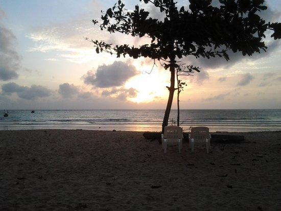 Dang Sea Beach Bungalow: beautiful sunsets