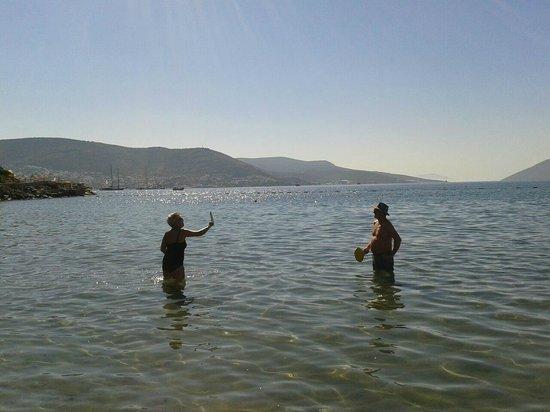 Azka Otel : Time for simple beach activities