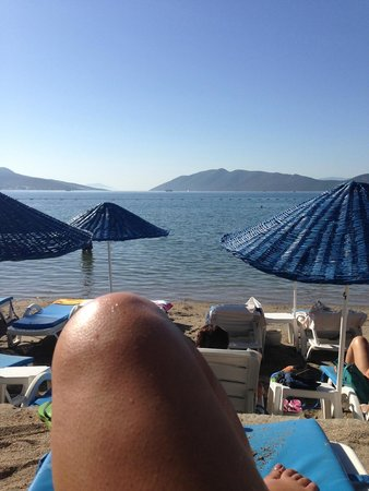 Azka Otel : At the beach