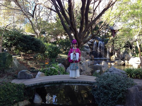 Chinese Garden of Friendship : Dressing up at gardens (extra $10).