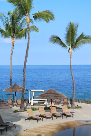 Sheraton Kona Resort & Spa at Keauhou Bay : Pool area.