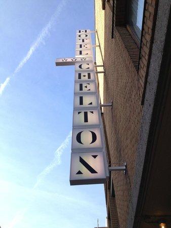 Chelton Hotel: Façade Chelton