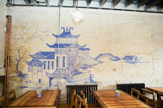 Middleport Pottery - Home of Burleigh: Historic Willow pattern used to create a handpainted mural in the Middleport Cafe