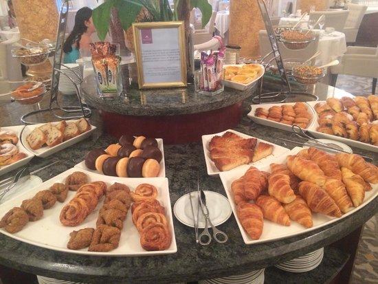 Hotel Maria Cristina, a Luxury Collection Hotel, San Sebastian : Breads