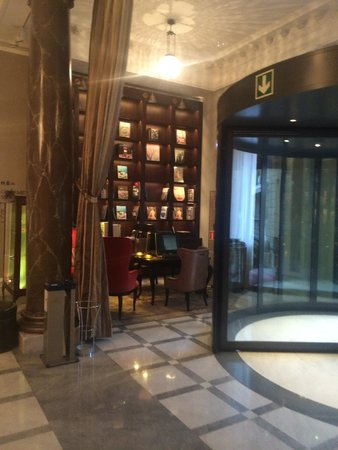 Hotel Maria Cristina, a Luxury Collection Hotel, San Sebastian : Library