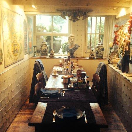 Sunhead of 1617: Der gemütliche Frühstückstisch mit umwerfendem Angebot