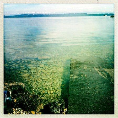 Lac de Neuchâtel, abords du Musée d'art et d'histoire
