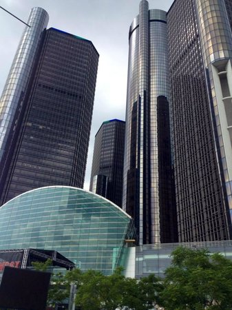 Detroit Marriott at the Renaissance Center: Detroit Riverwalk of Hotel