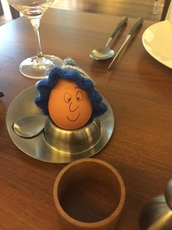 Hotel Rathaus Wein & Design : My boiled egg at breakfast