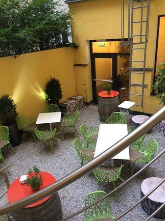 Hotel Rathaus Wein & Design: The little garden