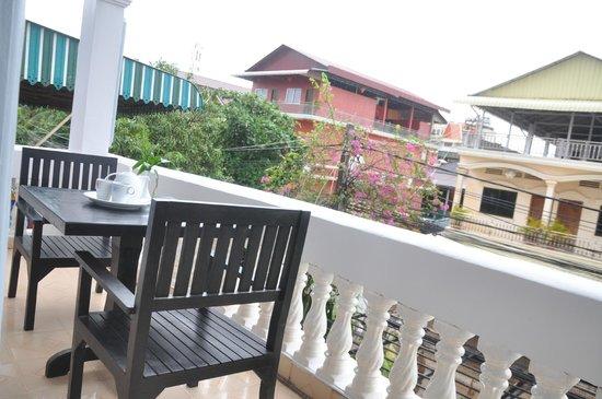 Angkor Honey Villa: balcony