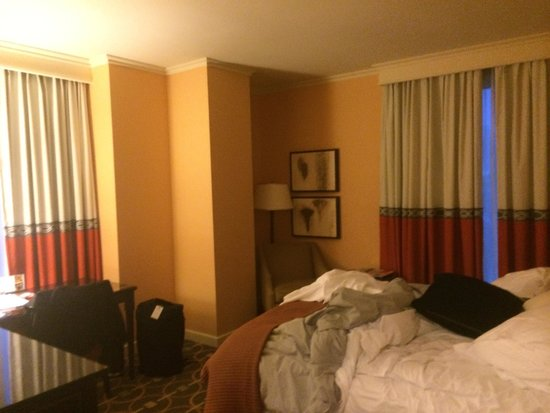 InterContinental Buckhead Atlanta: Corner room