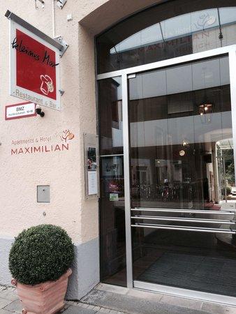 Maximilian Munich Apartments & Hotel: The front door