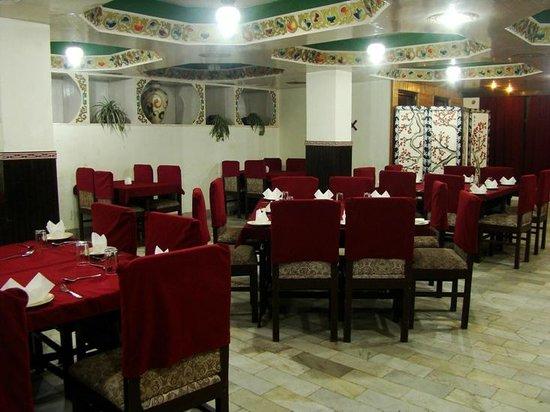 Central Hill Resort Gangtok: Wild Orchid Restaurant