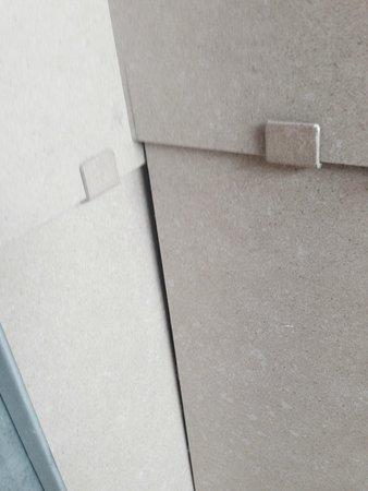 Aqualux Hotel Spa & Suite Bardolino: Verarbeitung der Fassade