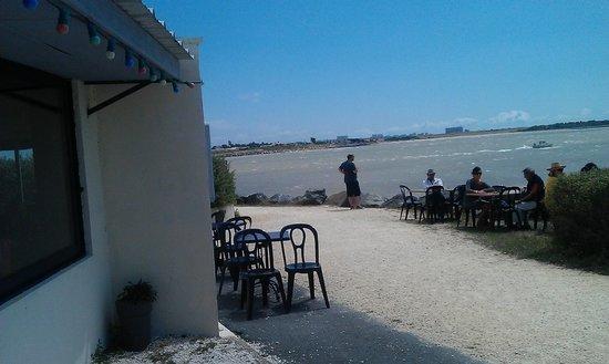 Restaurant Port Lauzieres: la vue derriere le restaurant