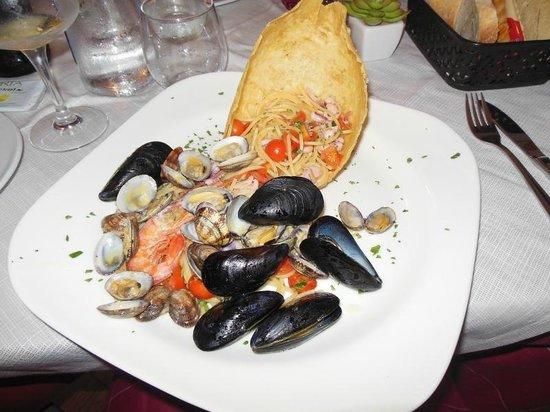 Gabrielitos Ristorante Pizzeria: Pasta allo scoglio :) 'na delizia!