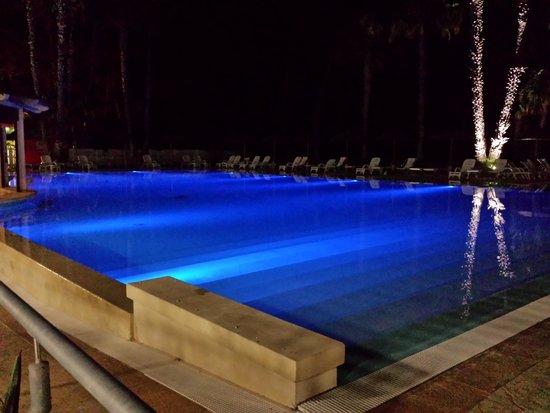 Hotel Solara : la piscina di notte