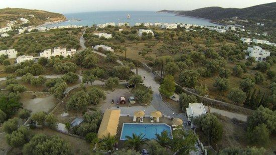 Villa Irini: εξωτερικος χωρος