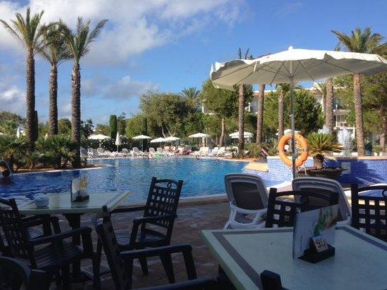 Inturotel Sa Marina: Poolside view