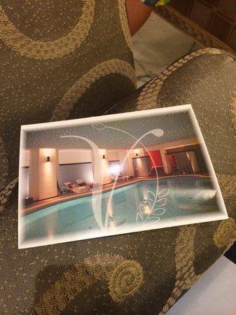 Grand Visconti Palace: Zwembad bij de spa, grenzend aan de binnentuin.