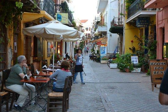 Casa di Pietra: Улочка, на которой стоит отель