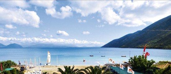 Vasiliki, Yunani: Neilson Cosmos Beachclub beach area
