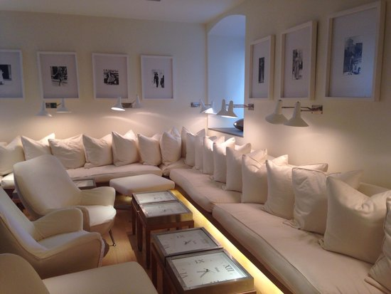 Continentale Firenze : The White Lounge