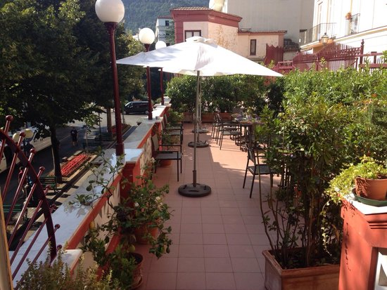 Palazzo Jannuzzi Relais: Breakfast on the terrace