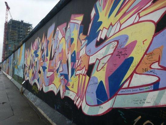 Gedenkstätte Berliner Mauer: 壁とアート(と落書き)