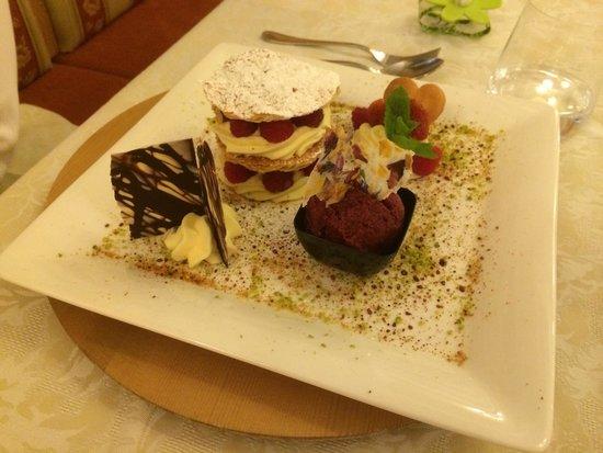 Zanolini: Millefoglie con crema chantilly, lamponi e sorbetto ai frutti di bosco