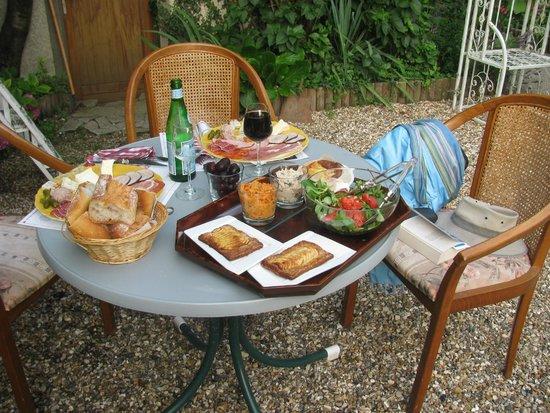 Villa Alienor : diner souper au jardin