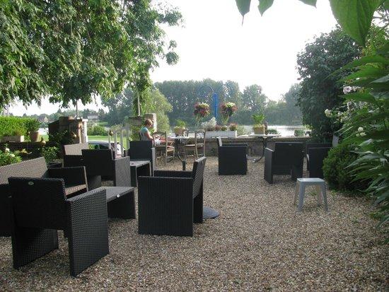 Villa Alienor : salon de jardin