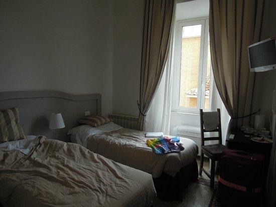 Biancoreroma B&B: комната