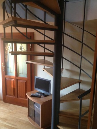 Karlova Apartments : Bottom floor staircase in duplex apartment
