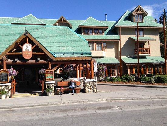 Banff Caribou Lodge & Spa: uitstraling buiten