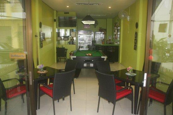 Bacione Bar & Room for Rent: Bar e Ristorante