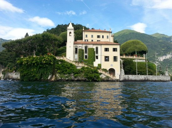 Villa del Balbianello: Villa Balbaniello seen from the kayak